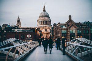 【英国留学で実践済】出来るだけお金をかけずに英語を話せるようになるための4つ方法